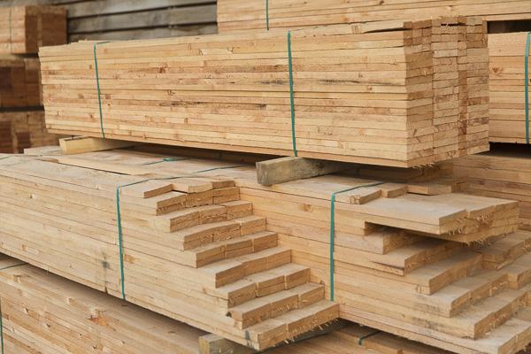 Holzbretter für Wandverkleidung